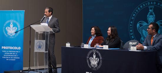 El Rector Alfonso Esparza Ortiz presenta el Protocolo para la Prevención y Atención de la Discriminación y Violencia de Género